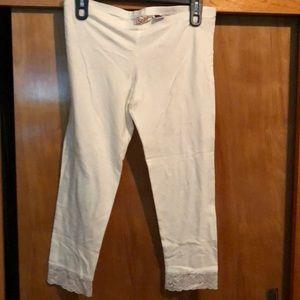 Brand new white Capri legging!